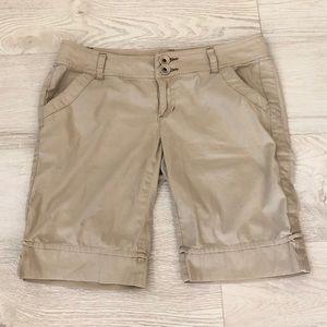 DKNY Jeans Stretch Tan Khaki Bermuda Shorts